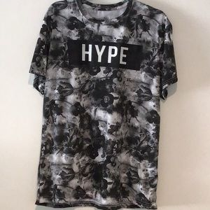 FRESH LAUNDRY T-SHIRT IN SIZE L